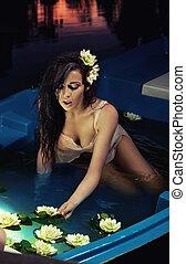 água, adorável, flores, morena, segurando