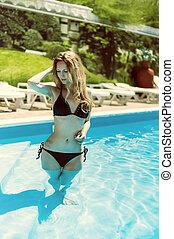 água azul, desgastar, ficar, biquíni, piscina, ao ar livre, mulher, excitado
