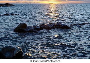 água azul, pôr do sol
