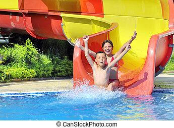água, baixo, escorregar, deslizamento, crianças