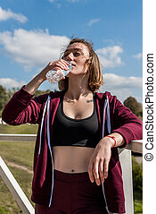 água, bebendo, mulher, malhação, após