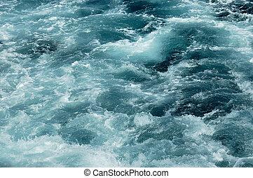 água clara, executando, em, a, rio