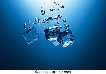 água, cubos cadentes, gelo