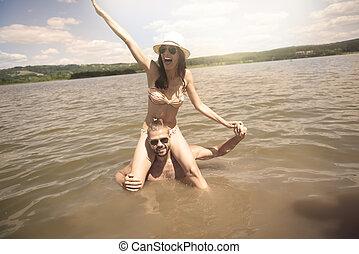 água, divertimento, par, tendo