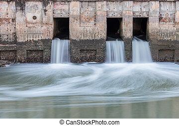 água, fluir, de, dreno, para, rio