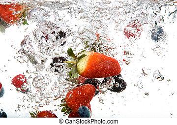 água, fruta fresca
