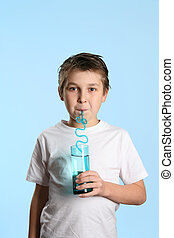 água, menino, bebendo, sedento