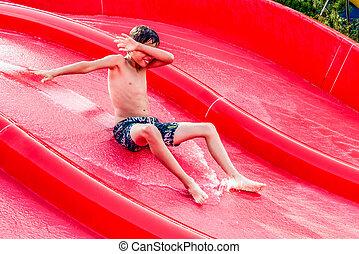 água, menino, escorregar, deslizamento