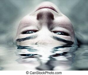 água, rosto