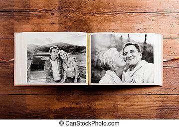 álbum, foto, preto-e-branco, par., quadros, sênior