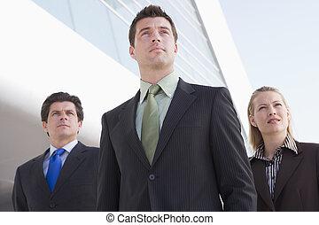 álló, épület, szabadban, három, businesspeople