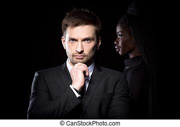 álló, övé, kéz, sötét, megható, nő, áll, behind., illeszt, bőr, ember