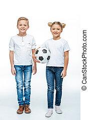 álló, futball, mosolygós, labda, gyerekek