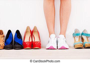 álló, hilled, nő, cipők, neki, fal, kép, lefektetés, körbevágott, sport, magas, időz, elkészített, ellen, az enyém, choice!, evez