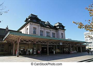 állomás, mojiko