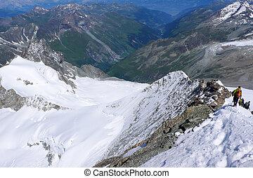 ápice montês, cume, escaladores, estreito