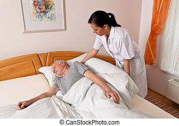 ápoló, alatt, öregedő törődik, helyett, a, öregedő