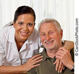 ápoló, alatt, idős, törődik, a, öregedő, alatt, gondozás családi