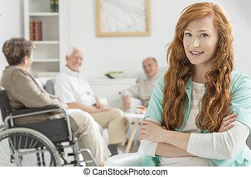 ápoló, karóra, felett, öregedő emberek