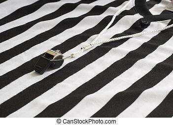 árbitro, camisa, con, silbido