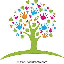 árbol, con, manos, y, corazones, figuras