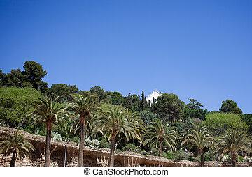 árboles verdes, de, parque, guell, en, barcelona, españa