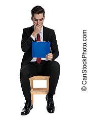 área de transferência, azul, cobertura, leitura, boca, homem negócios, seu, chocado