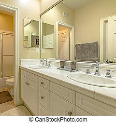 área, madera, interior, gabinetes, pequeño, cuarto de baño, doble, vanidad, fregadero, cuadrado