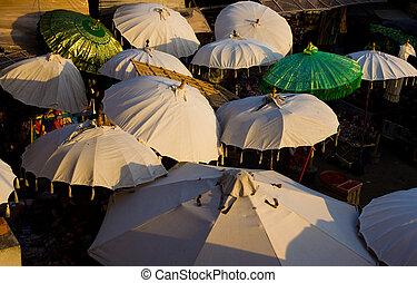 árnyék, esernyők, piac, bali