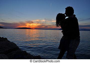 árnykép, összekapcsol megcsókol, felett, tenger, napnyugta, háttér