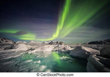 ártico, borealis, spitsbergen, congelado, encima, -, svalbard, fiordo, aurora
