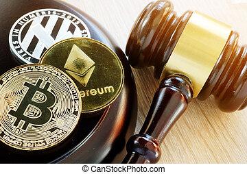 árverezői kalapács, és, cryptocurrency., kormányzat regulation, concept.