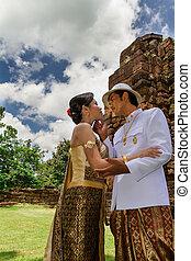 ásia, par casando, em, tailandês, paleto