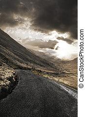 áspero, paisagem, com, estrada