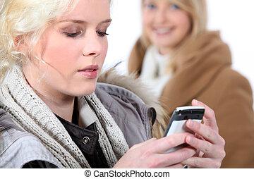 átvizsgálás, cellphone, nő, neki