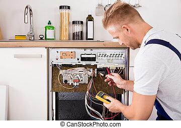 átvizsgálás, technikus, mosogatógép, multimeter, digitális