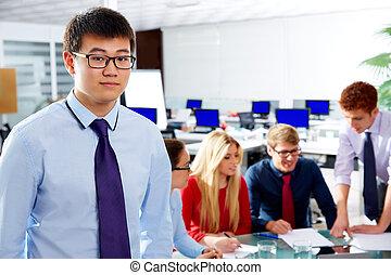 ázsiai, végrehajtó, fiatal, üzletember, portré