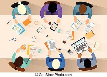 ângulo, escritório, pessoas negócio, topo, trabalho, ilustração, vetorial, local trabalho, acima, escrivaninha, sentando, vista