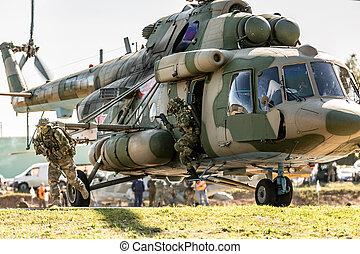 ägor, under, militär helikopter, övning, jord