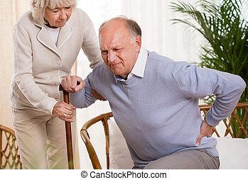 äldre bemanna, ha, a, smärta tillbaka