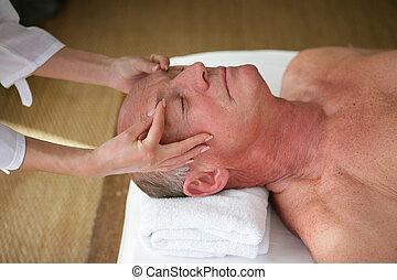 äldre bemanna, ha en massage, in, a, kurort, centrera