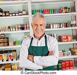 äldre hane, ägare, le, hos, supermarket