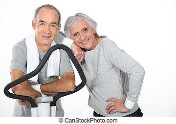 äldre koppla, användande, gymnastiksal utrustning