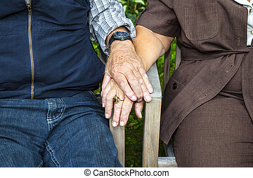äldre koppla, gårdsbruksenheten räcker, i kärlek