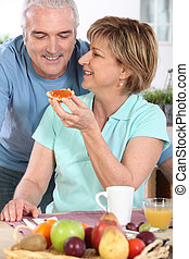 äldre koppla, ha, frukost