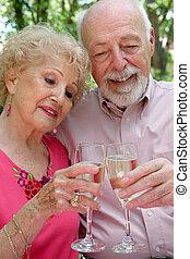 äldre koppla, tillsammans, lycklig
