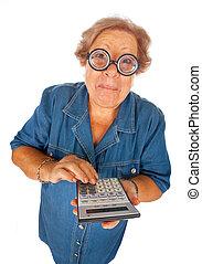 äldre kvinna, med, räknemaskin