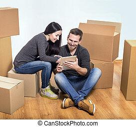 älskarna, rum, sittande, par, boxes., papp, eller, tom