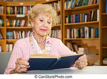 älter, dame, lesende