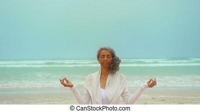 älter, joga matte, aktive, afrikanisch, ansicht, übung, ...
